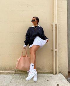 Aesthetic Fashion, Look Fashion, 90s Fashion, Aesthetic Clothes, Aesthetic Outfit, Fitness Aesthetic, Aesthetic Style, Winter Fashion, Girl Fashion