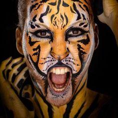 """Gefällt 59 Mal, 2 Kommentare - Make-upArtist-Bodypainter (@nadjahluchovsky) auf Instagram: """"Foto: Andreas Schabus Model : Petra #bodypainting #bodypaintings #body #makeup #malen #körperkunst…"""""""
