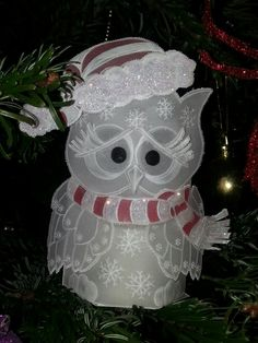Finally made a tea light Christmas owl, admire Mona Andersen for making more than 45 of these, pattern by Linda Williams