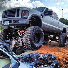 Power Stroke Monster - Love the tires on this truck