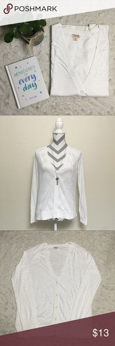 Mossimo Supply Co. Lightweight White Cardigan Mossimo Supply Co Lightweight Cardigan, size small. So comfy & in great used condition! Measurements laid flat: width 17.5 in, length 24 in, sleeve 20 in. 100% cotton. Mossimo Supply Co. Sweaters Cardigans
