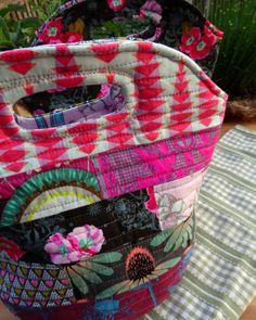 Thread Riding Hood - Insulated Lunch Bag Tutorial