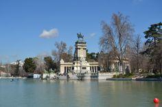 Estanque y Monumento Alfonso XII. El Retiro.