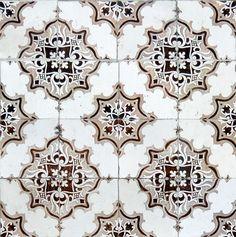 thetilesoflisbon: http://pedrovilaverdephotography.blogspot.pt/http://thetilesoflisbon.tumblr.com/ © Pedro Vilaverde