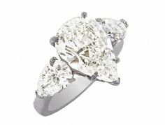 PS 3 DIAMOND RING 4.01 CT PS CENTER 1.82 TW PS SIDES