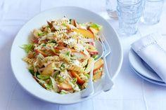 Kijk wat een lekker recept ik heb gevonden op Allerhande! Zomerse pastasalade met gerookte kipfilet