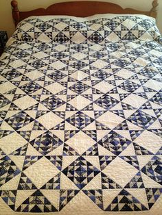 Charlotte's Quilts (Episode 92) by sandyquiltz, via Flickr - Fantastic pattern!