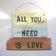 Resultado de imagen para letreros de love vintage madera