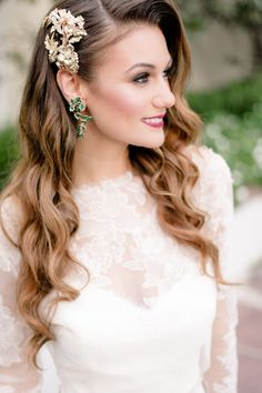 hair accessories and jewelry for the bride