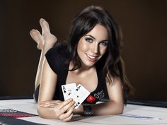 Liv Boeree is a poker player, tv presenter and model from England. #poker #babes