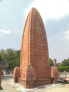 Jallianwala Bagh is the unfortunate site where thousands of innocents were brutally murdered by the British troops on April Today, the site houses a memorial of national importance in the memory of those killed during the Jallianwala Bagh Massacre. Jallianwala Bagh Massacre, India Holidays, Republic Of Macedonia, Historical Monuments, India Tour, Amritsar, Public Garden, Beautiful Sites, India Travel