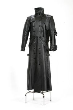 Leather duster. I will have this, if I have to rip myself broke again.