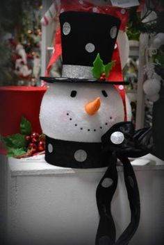 Snowman Head w Black Polka Dot Top Hat Christmas Tree Topper 3316508 NEW RAZ hi