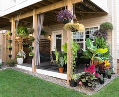My tiny backyard updates this summer, including tons of small townhouse patio ideas, ideas for tropical plants to create privacy, and ideas for gardening in a small backyard. ideas townhouse Small Townhouse Patio Ideas: My Tiny Backyard This Summer Outside Patio, Small Backyard Gardens, Backyard Patio Designs, Small Backyard Landscaping, Diy Patio, Backyard Ideas, Balcony Garden, Small Backyard Design, Garden Beds