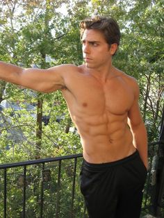 Shirtless friday (29 photos) – theBERRY