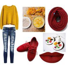 Folklórne náušnice sú využiteľné aj k jednoduchému jesennému outfitu. http://www.sperkysan.sk/folklorne-kruhove-kvietkovane