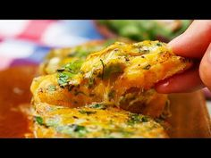 The Best Cheesy Garlic Bread Ever - YouTube