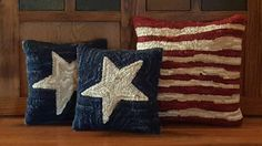 4th of July primitive patriotic pillows - my new fav décor!!   Etsy 2016.