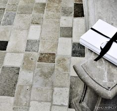Cobblestone De France | French Limestone | Stone Flooring | Francois & Co.