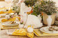 Que tal visitar a exposição das lindas decorações de mesas de Páscoa criadas pela Amelinha Amaro na @divinoespaco e se inspirar para o feriado?  A exposição vai até o dia 17 de abril de 2017.