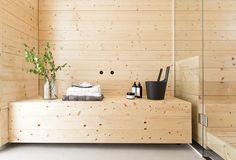 Scandinavian Minimalist in Finland - Nordic Design Infrarot Sauna, Steam Sauna, Scandinavian Saunas, Home Interior Design, Interior And Exterior, Sauna Design, Finnish Sauna, Spa Rooms, Lounge