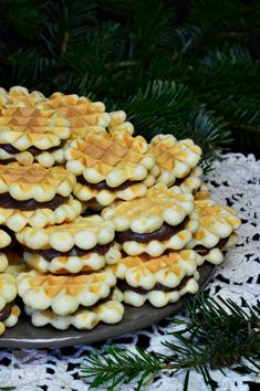 Faguri cu crema - CAIETUL CU RETETE Cookie Desserts, Cookie Recipes, Romania Food, Romanian Desserts, Love Chocolate, Macaroni And Cheese, Sweet Treats, Deserts, Dinner Recipes