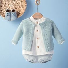 Best 4 How to make a Knitted Kimono Baby Jacket – Free knitting Pattern & tuto… - Knitting Patterns Baby Boy Cardigan, Baby Cardigan Knitting Pattern, Crochet Jacket, Baby Girl Vest, Baby Knitting Patterns, Baby Patterns, Baby Dress, Knitted Baby Outfits, Knit Baby Sweaters