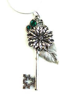 Silver Flower Key Necklace - KeypersCove on Etsy.