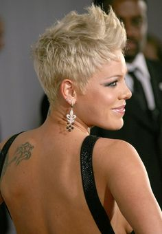 "nice Idée coupe courte : P!nk new track ""Fuckin' Perfect"" leaks!"