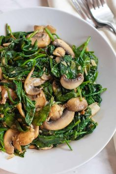 An incredibly fast and easy side dish, these Balsamic Spinach and Mushrooms are a new favorite in our house that's packed full of flavor and nutrition! Mushroom Side Dishes, Veggie Side Dishes, Vegetable Sides, Side Dishes Easy, Side Dish Recipes, Food Dishes, Easter Side Dishes, Health Side Dishes, Dishes Recipes