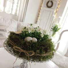 """Outside Easter decoration. Tarte mold, eggs and white grapes . Outside Easter decoration. Tarte mold, eggs and white grapes … """"Diy Decoration 2019 Easter Wreaths, Christmas Wreaths, Christmas Decorations, Holiday Decor, Outdoor Decorations, Diy Decoration, Thanksgiving Decorations, Christmas Holiday, Holiday Crafts"""