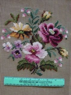 Needlepoint-Canvas-Pre-worked-Center-Floral-Bucilla-Chair-Seat-Pillow-Flowers