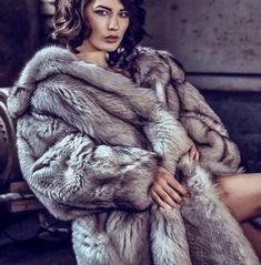 Fur Fashion, Womens Fashion, Fabulous Fox, Camping Aesthetic, White Fox, Fox Fur, Style Guides, Coats For Women, Beautiful Women