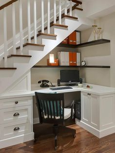Home office ideas - small office work spaces Under stair storage ideas - home office and desk under stairs ideas Stair Shelves, Staircase Storage, Staircase Design, Storage Under Stairs, Basement Storage, Book Shelves, Office Under Stairs, Space Under Stairs, Under Staircase Ideas