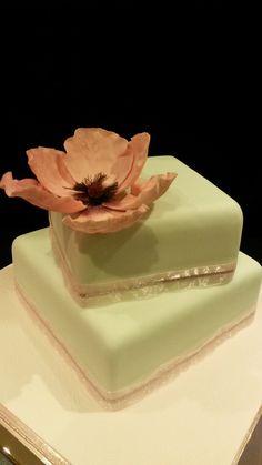 Handmade sugarcraft wild poppy cake
