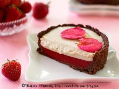 These vegan Strawberry and Rose Tartlettes are almost too cute to eat!