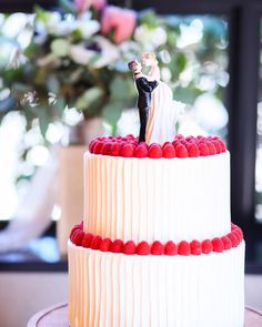 オシャレな最新ウェディングケーキのデザイン100選** Cake Designs, Wedding Bride, Wedding Cakes, Sweets, Cream, Bridal, How To Make, Instagram, Pie Cake