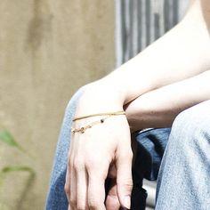 Gioielli discreti dall'animo eccentrico: Sophie Hitchcock Jewellery. Buy Buy Baby, Things To Buy, Cuff Bracelets, Delicate, Jewellery, Fashion, Moda, Jewels, Fashion Styles