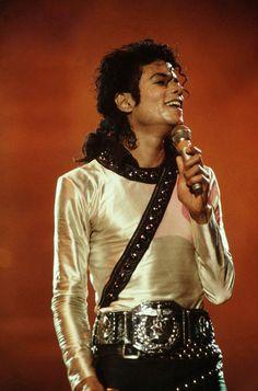 ♥ Michael Jackson ♥  BAD World Tour 1987