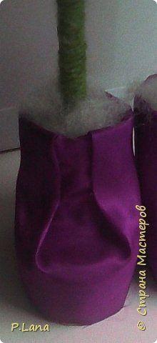 Здравствуйте,друзья!Хочу предложить вам сделать вот такие ботиночки из бросового материала для ёлочки топотушки.Ёлочку в таких ботиночках можно посмотреть тут http://stranamasterov.ru/node/973345 . Киндер-сюрпизы нынче дорогие,так что у нас получится антикризисный вариант. фото 12