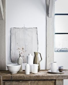 Since I saw the work of my favorite interior stylist Cleo Scheulderman for the first time, I am a fan. She can paint with interior accessories. Wabi Sabi, Home Design, Natural Living, Interior Stylist, Slow Living, Home Interior, Interior Design Inspiration, Design Ideas, Home Accessories