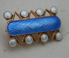 Brosje i sølv og emalje. Enamel Jewelry, Silver Jewelry, Jewellery, Scandinavian Design, Denmark, Norway, Jewelry Design, Brooch, Vintage