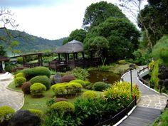 outdoor architecture / landscape in the Philippines Driveway Landscaping, Country Landscaping, Landscaping With Rocks, Landscaping Ideas, Philippine Architecture, Low Maintenance Landscaping, Tropical Garden, Garden Bridge, Orchestra