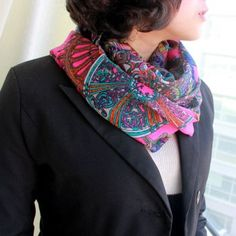 Traditional Design New Design Fashionable Colorful Lady's Printed Autumn Winter Season Silk Scarves Shawl