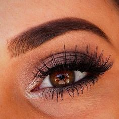 Perfect gold smokey eye! Love it!