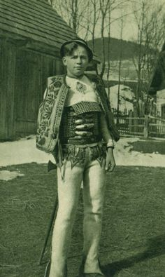 #Lendak #Spiš #Slovensko #Словакия #Slovakia Folk Costume, Costumes, Bratislava, Vintage Pictures, Old Photos, Punk, Wonder Woman, Superhero, Photography