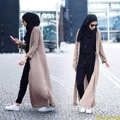 I'm presenting in this collection some stylish hijab street styles for women that are so chic & comfy! The hijab street styles looks are matching with the Hijab Chic, Hijab Casual, Hijab Outfit, Women's Casual, Islamic Fashion, Muslim Fashion, Modest Fashion, Fashion Outfits, Fashion Poses
