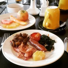 A hearty breakfast, my kind of place @albahotelmeru 😍💗 . #Meru #Kenya #TembeaKenya  #MagicalKenya