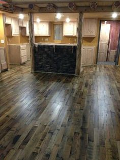 Awesome wood pallet floor! Recycled wood!