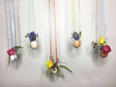 Crafts-I could do this! Grab some ribbon for this chic easter egg floral display! Easter Egg Dye, Easter Hunt, Hanging Vases, Glass Pumpkins, Diy Plant Stand, Boho Diy, Baskets On Wall, Porch Decorating, Craft Projects